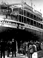 Genova... Il porto... La canzone